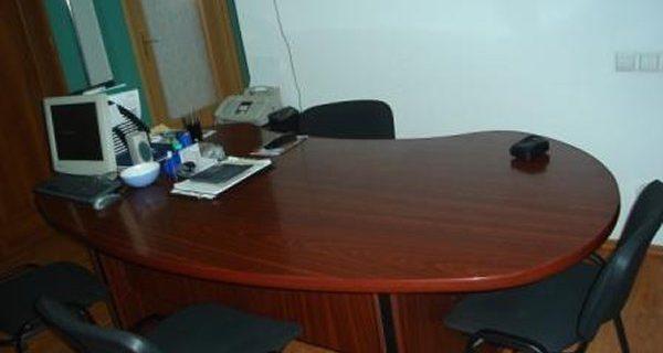 Mobilă la comandă pentru spații nerezidențiale (firme, instituții etc.)
